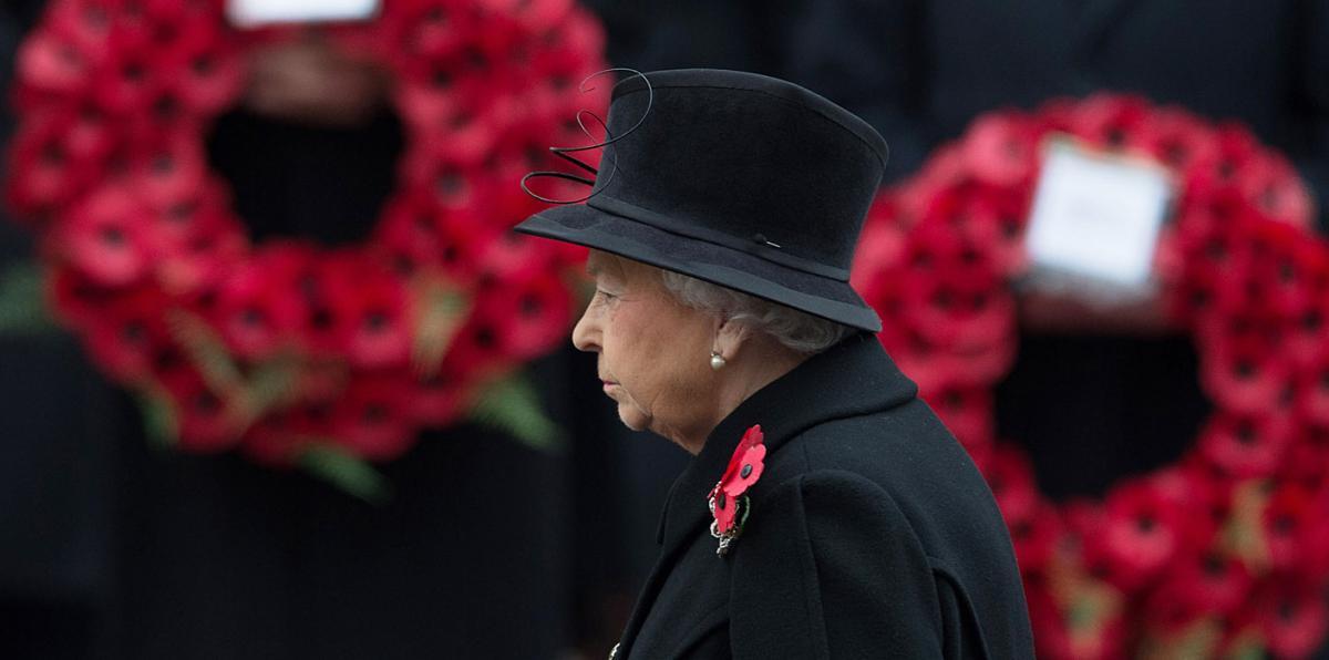 Elizabeth Windsor at a remembrance ceremony
