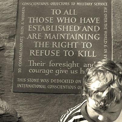 Memorial to war resisters