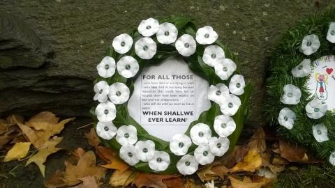 White poppy wreath